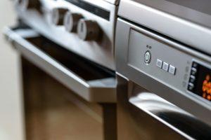drempelbezorging van elektronica zoals ovens, wasmachines en koelkasten